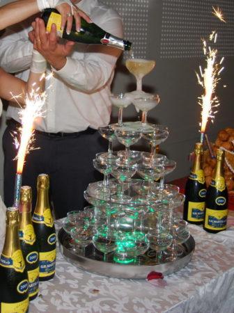 JLM Events traiteur cascade de champagne (1)